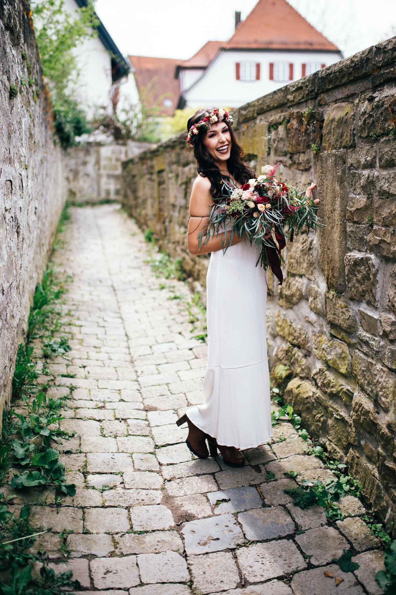 Portrait einer Boho Braut in Leonberg - Hochzeitsfotografin