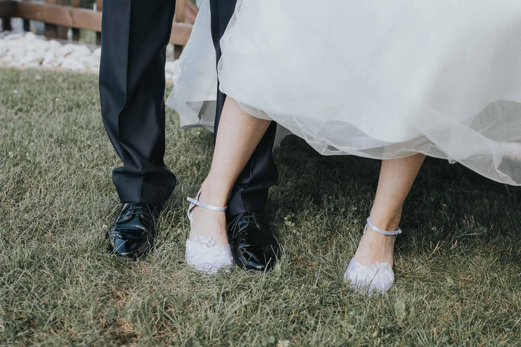 Die Füße des Brautpaares